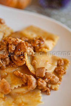 la cucina di mamma: Ravioli di zucca e lavanda con ragù di coniglio