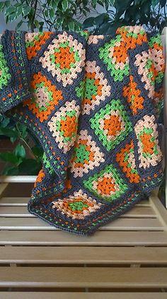 Crochet Slipper Pattern, Crochet Coat, Crochet Slippers, Crochet Baby, Crochet Ripple Blanket, Crochet Granny Square Afghan, Crochet Cushions, Granny Squares, Crochet Designs