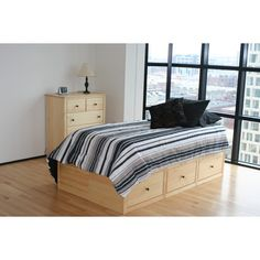 Maco Furniture Windridge Storage Platform Bed