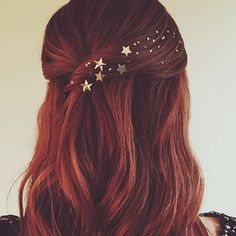 Stars in her hair by Kristen Ess ? Stars in her hair by Kristen Ess ? Star Hair, Christmas Hair, Holiday Hairstyles, Hair Dos, Pretty Hairstyles, Dyed Hair, Hair Inspiration, Curly Hair Styles, Beauty Hacks