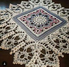 Crochet Squares, Crochet Motif, Irish Crochet, Crochet Designs, Crochet Doilies, Crochet Lace, Crochet Patterns, Crochet Table Runner, Crochet Tablecloth
