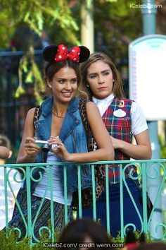 Jessica Alba celebrates her daughter Honor Marie Warren sixth birthday at Disneyland http://icelebz.com/events/jessica_alba_celebrates_her_daughter_honor_marie_warren_sixth_birthday_at_disneyland/photo1.html
