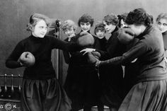 When I started dating men, I was so used to the feelings associated with harassment that I would no longer object to them. I just maintained a level of protective numbness. Fighting Quotes, Billie Burke, Boxing History, Women Boxing, Female Fighter, Power Girl, Women In History, Physical Fitness, Old Photos