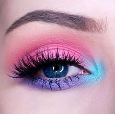 21 Easter makeup looks that celebrate your love & passion for pastels - Hike n Dip - - Rock the Easter Party with the best themed makeup. Check out the perfect Easter Makeup looks / ideas & pastel eye makeup ideas for spring & easter season. Makeup Eye Looks, Purple Eye Makeup, Eye Makeup Art, Colorful Eye Makeup, Colorful Eyeshadow, Makeup Inspo, Makeup Ideas, Pink Eyeshadow, Makeup Eyeshadow