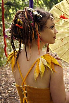 fae Dreads Look pretty in the hair. Dread Hairstyles, Cool Hairstyles, Hippie Boho, Hippie Chick, Hippie Life, Bohemian, Rapunzel, Dreads Girl, Hippie Dreads