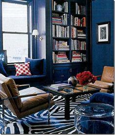 Elle Decor Blue Room with Zebra rug and leather chairs Dark Blue Walls, Navy Walls, Purple Walls, Black Walls, Color Walls, Paint Colors, Indigo Walls, Charcoal Walls, Ceiling Color