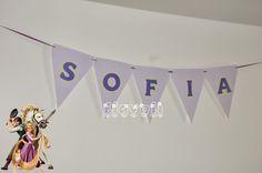 Varal de bandeirinhas para festa Enrolados  :: flavoli.net - Papelaria Personalizada :: Contato: (21) 98-836-0113  vendas@flavoli.net