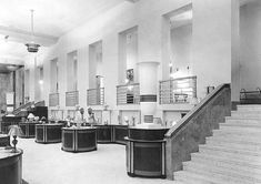 POSTCARD – TORONTO – EATON'S COLLEGE STREET – YONGE STREET ENTRANCE HALL – REPRINT OF 1930s PHOTO FOR HISTORICAL SERIES | CHUCKMAN'S PHOTOS ON WORDPRESS: TORONTO NOSTALGIA