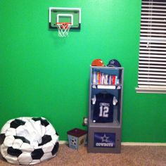 We Created A Full Court Basketball In Zeke S Room By Placing Pro Mini Hoops Purchased At Sklz On Opposite Walls