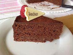 VÍKENDOVÉ PEČENÍ: Sachrův dort Czech Recipes, Pavlova, Cheesecake, Cupcakes, Desserts, Food, Kitchens, Tailgate Desserts, Cupcake Cakes