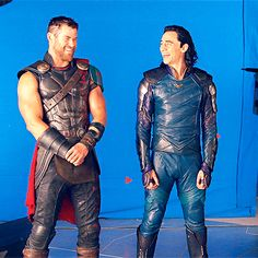 #TomHiddleston and #ChrisHemsworth on the set of #ThorRagnarok. #Loki #Thor