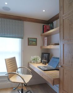 Study:  Pippy Oak timber shelves, drawers  and desk top, with useful storage cupboards.Photography: Ray Main
