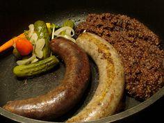 Aj my máme svoje raňajky nie iba angličania - Nápady-Návody. Slovak Recipes, Czech Recipes, Sausage, Food And Drink, Traditional, Meat, Bohemian, Lovers, Country