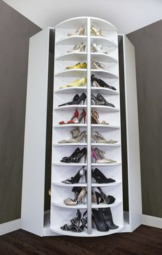 Spinning shoe rack - Spinning Idea! What a great invention! stores up to 228 pairs of shoes!