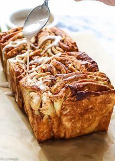 Cinnamon Apple Pull Apart Bread | #InspirationSpotlight