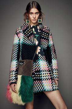 Marni Pre-Fall 2015 Fashion Show Fashion Mode, Moda Fashion, Fashion Week, Runway Fashion, High Fashion, Winter Fashion, Fashion Show, Womens Fashion, Fashion Design