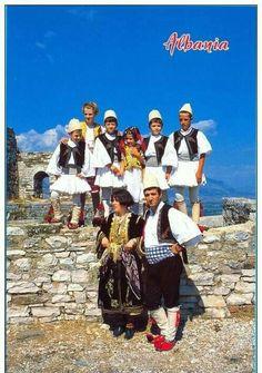Veshje tradicionale shqiptare.