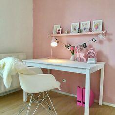I just love soft pink... #sneakpreview #modelwoning #Utrecht #interieur #styling #roze #meisjeskamer