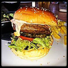 Black Angus Burger #foodblog #foodstagram #burgergram #burger #scheveningen  #buenavistabeach