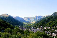 Paysage - Département du Puy-de-Dôme - www.auvergne.fr Pure Romance, Belle Photo, Dreaming Of You, Travel Destinations, River, Mountains, Photos, Outdoor, Architecture