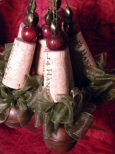 Six corkament wine cork ornaments for your holiday tree or use as gift tags. Each has a handmade bow of sheer green ribbon. Wine Craft, Wine Cork Crafts, Wine Bottle Crafts, Christmas Projects, Holiday Crafts, Christmas Crafts, Christmas Decorations, Holiday Tree, Christmas Tree