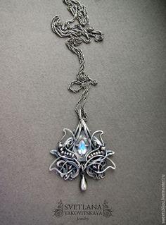 """Купить Серебряный кулон """"Amalthea"""" - серебряный, кулон с лунным камнем, кулон с адуляром, серебряная подвеска"""