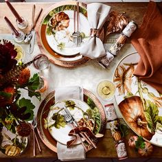 """New season. New setting.🍴✨ Tap the pic to learn more about our autumn table, featuring Botanical Pumpkin dinnerware. Also, how cute are the """"grateful"""" napkins? Thanksgiving Table Settings, Thanksgiving Tablescapes, Holiday Tables, Thanksgiving Decorations, Thanksgiving Plates, Autumn Decorations, Happy Thanksgiving, Holiday Decor, Williams Sonoma"""