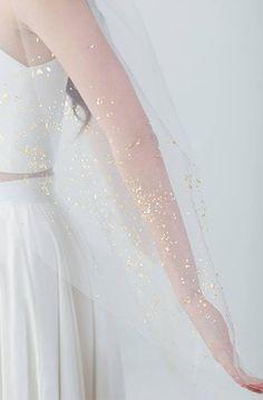 Gold Mica Flake Veil