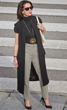 Trendy Fashion Style Women Over 40 Outfits Pants Fashion For Women Over 40, 50 Fashion, Trendy Fashion, Spring Fashion, Fashion Outfits, Fashion Trends, Fashion Ideas, Fashion Women, Fashion Online