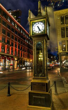 Steam Clock, Gastown, Vancouver, British Columbia.  Photo: Bruce Irschick via Flickr