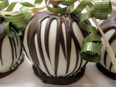 White Chocolate Covered Gourmet Apple-------Please :)