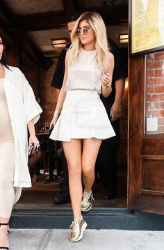Kylie Jenner With Kim getting lunch at Serafina