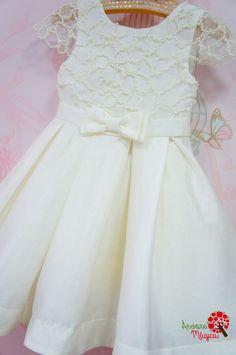 2c7fddacf Vestido de Festa Infantil Branco Bordado à Mão Luxo Petit Cherie Vestido  Branco Infantil, Vestido