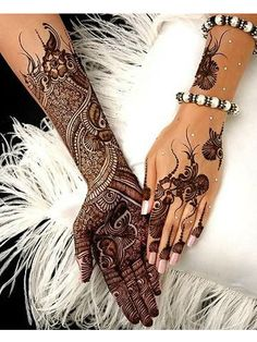 """Share this on WhatsAppThe Arabic mehndi designs are usually visible on wedding day and """"Henna nights"""". They also call Henna night as """"the night before [. Henna Tattoo Designs, Henna Tatoos, Tatto Design, Bridal Henna Designs, Arabic Mehndi Designs, Latest Mehndi Designs, Henna Mehndi, Hand Tattoos, Mehandi Designs"""