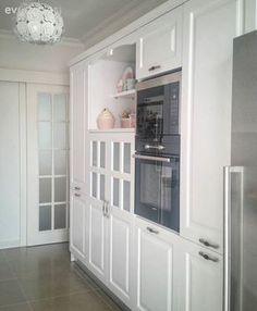 Ev sahibimiz derin mutfak blogunda, tariflerini, sunumlarını, kısaca mutfak maceralarını paylaşıyor. Tabi mutfağı da bu kadar güzel olunca, mutfakta zaman geçirmekten daha keyifli ne olur. Mutfak dola...