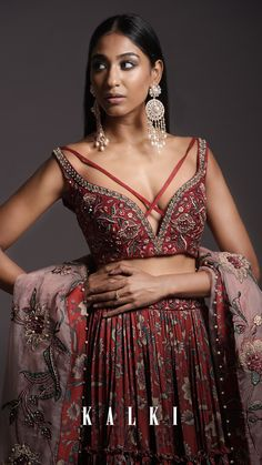 Promising a contemporary wardrobe makeover, the collection gives you endless possibilities that create a must-have list in modern-inspired couture to up your style game this wedding & festive season. This collection is not only limited to the brides-to-be but the bride's squad as well! Displaying its versatility at its best, the Resort Prints are here to reign your ethnic wardrobe. Half Saree Designs, Blouse Designs, Lehnga Dress, Lehenga, Indian Designer Outfits, Indian Outfits, Wardrobe Makeover, Vogue India, Tiered Skirts