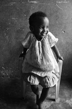 Le rire, c'est le soleil, il chasse l'hiver du visage humain. • Victor Hugo. Chenzira