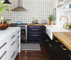 Creating a wall in patterned tile + Dark super sheen hardwood floors