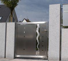 Iron Gate Design, Roof Design, Front Gates, Entry Gates, Home Room Design, Design Your Home, Modern Main Gate Designs, House Front Design, Iron Doors