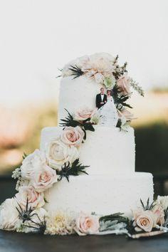 Classic wedding cake: http://www.stylemepretty.com/little-black-book-blog/2015/01/13/modern-fall-wedding-at-santa-barbara-historical-museum/ | Photography: Studio Castillero - http://studiocastillero.com/
