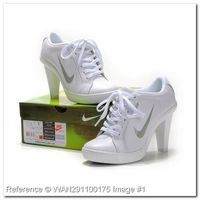 the latest 82dd5 fd6ee Nike 2012 Heels Dunk Low Womens Shoes New White Silver