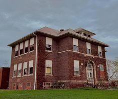 School's Out Forever, Schools, Abandoned, Mansions, House Styles, Home Decor, Left Out, Decoration Home, Manor Houses