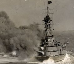 15 in battlecruiser HMS Hood firing a broadside during training - from the Best same sequence as the similar Renown picture nearby. Note her additional stern turret. Hms Hood, Military News, Military Art, Capital Ship, Naval History, Navy Ships, Submarines, Model Ships, Royal Navy
