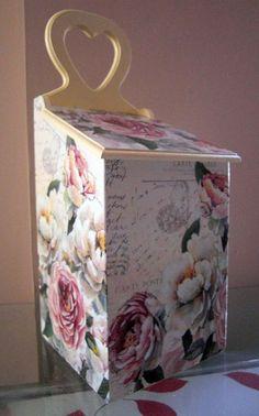 Rose guardanapo decorativo do vintage de madeira, caixa de decoupage handmade, caixa de madeira retro, caixa de café retro
