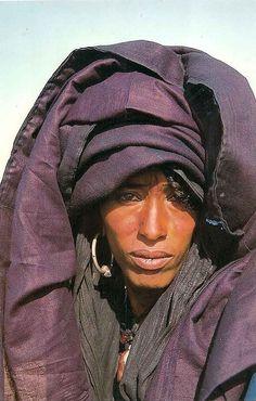 Africa | Tuareg woman. Agadez region, Niger | ©Christian Desjeunes