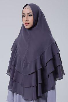 New dress party pictures ideas Abaya Fashion, Fashion Outfits, Womens Fashion, Hijab Hipster, Hijab Style Tutorial, Hijab Dress Party, Simple Hijab, Turkish Fashion, Vintage Dress Patterns