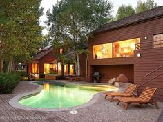 Country Living--Tour John Denver's Aspen Home The late country singer's Rocky Mountain mansion is on the market for $10.75 million.