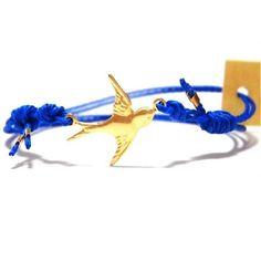 ブランド  : daniela sigurd jewelry ( ダニエラ シグルド ジュエリー ) 日本未上陸 初めてのお取り扱いとなります。 チャームが沢山ついていてどれもかわいい、ロンドンブランドです。 好評のブレスレットです。♪【商品仕様】色 :  スワロー ブルー / ゴールド : ブレスレットサイズ :  約14cm~約24cm  長さは結び目で調節ができま  素材 : 素材:コットン  *こちらの商品はクロネコメール便で発送いたします品番 :daniela  blue friendship swallow gold【 全国送料無料 】 15時までのご注文は 当日発送いたします。代引き発送代引き発送は下記店舗にて お求めの商品でご利用いただけますhttp://letoilebeaut.fashionstore.jp/
