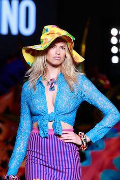 Moschino Spring 2017 Menswear Accessories Photos - Vogue