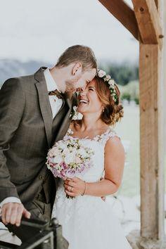 Hochzeit – Aline und Christopher – Winterstellgut Wedding Dresses, Portraits, Fashion, Wedding Photography, Newlyweds, Weather Vanes, Snow, Rain, Weather